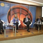 "Seminário ""Why globalization has not reduced income disparit?"" - 12/03/2014"